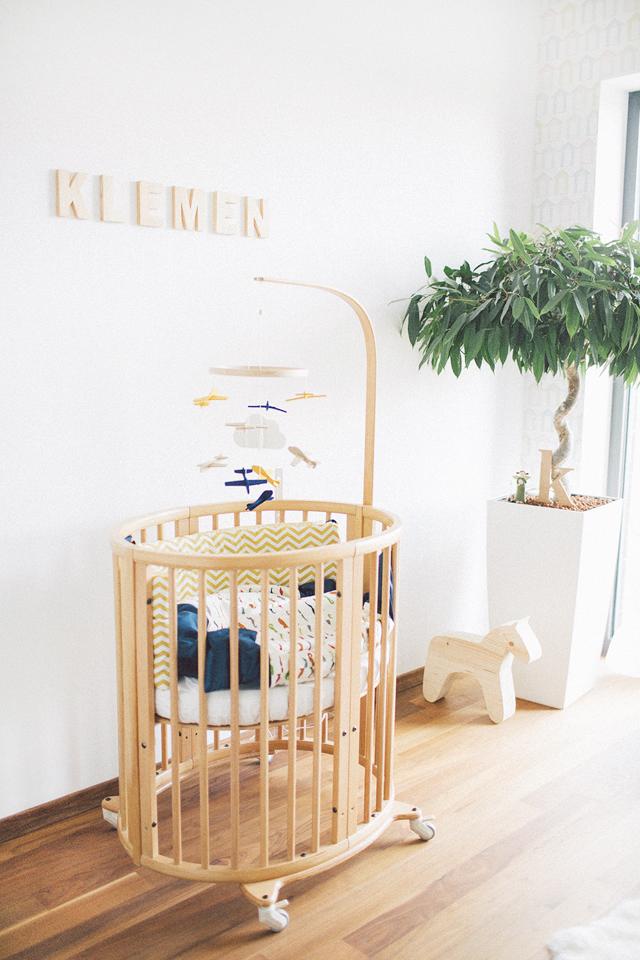 klemen-newborn-lifestyle-fotografiranje-novorojencek-sobica-nastja-kovacec-1