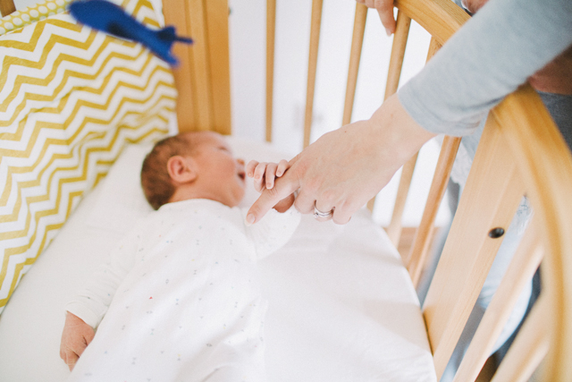 klemen-newborn-lifestyle-fotografiranje-novorojencek-sobica-nastja-kovacec-8