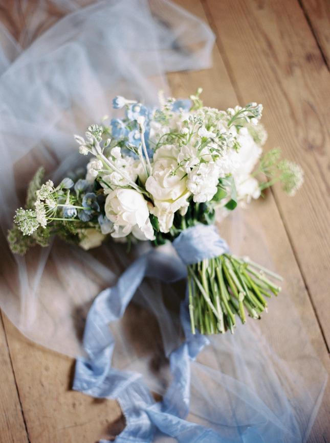 Helaina_Storey_styled_wedding_united_kingdom_norfolk_narborough_hall_gardens_film_fine_art_wedding_photographer_nastja_kovacec-3