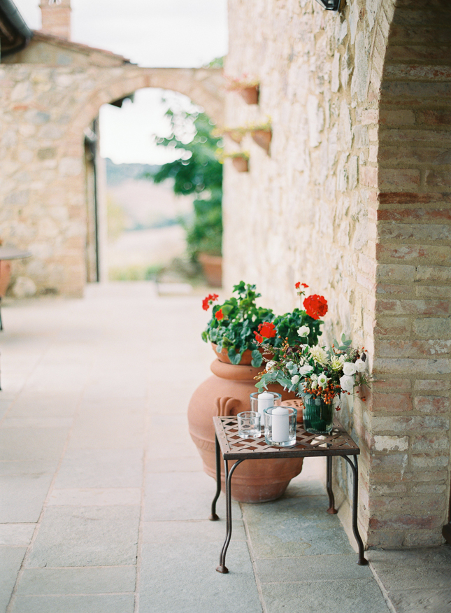 Villa_Podere_Scopicciolo_Tuscany_wedding_Italy_Film_wedding_photography_Nastja_Kovacec-64